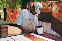 Produceren handbeschilderde textiel